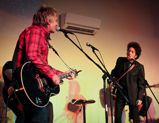 Mike Peters and Willie Nile